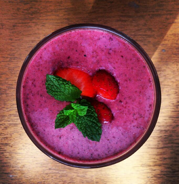 fruit and nut smoothie